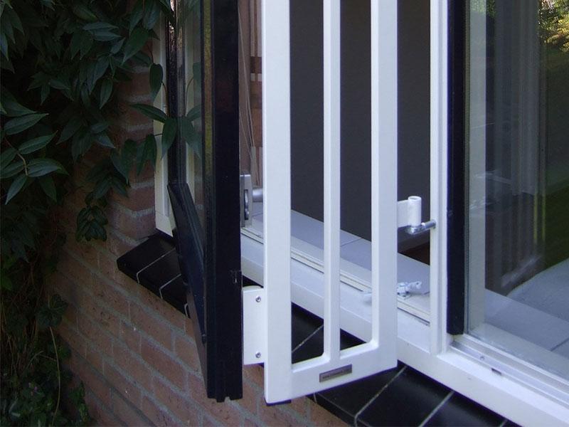 Slaapkamer Zonder Raam : Dit slaapkamer raam op de begane grond is ...